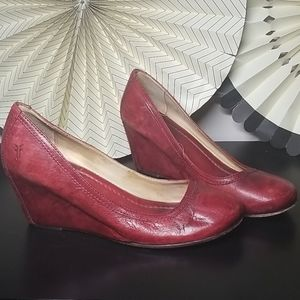 Frye Red Carson Wedge Pump size 9
